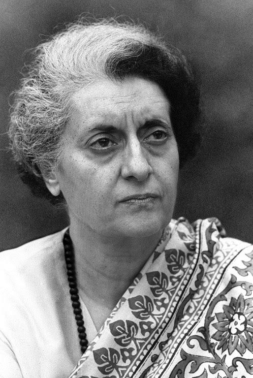 पंडित नेहरुंचा हा वारसा आला तो त्यांची कन्या इंदिरा गांधींकडे. काँग्रेस कार्यकर्त्या ते काँग्रेसच्या अध्यक्षा आणि नंतर देशाच्या पंतप्रधान असा त्याचा राजकारणातला चढता आलेख राहिला.