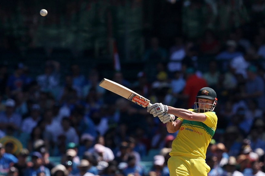 फिरकीपटू असलेल्या चहलने त्याच्या पहिल्या ओव्हरमध्ये चार चेंडूतच ऑस्ट्रेलियाला धक्का दिला. चहलचा दुसरा चेंडू न समजल्याने शॉन मार्श बाद झाला. त्याने 54 चेंडूत 39 धावा केल्या.