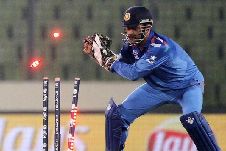 आंतरराष्ट्रीय क्रिकेटमध्ये सर्वाधिक 187 फलंदाजांना यष्टीचीत करण्याचा विक्रम धोनीच्या नावावर आहेत. एकदिवसीय सामन्यातही त्याने सर्वाधिक 117 फलंदाजांना यष्टीचीत केले आहेत.