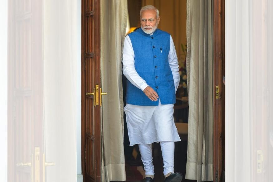 पंतप्रधान नरेंद्र मोदी हे त्यांच्या पेहरावातील स्टाईलसाठी ओळखले जातात. त्यांचा मोदी कुर्ताही चांगलाच लोकप्रिय झाला होता.