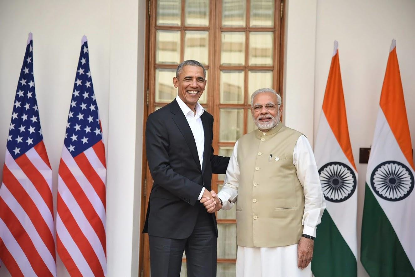 अमेरिकेचे अध्यक्ष बराक ओबामा भारत दौऱ्यावर आले होते. त्यावेळी ओबामांना मोदींनी मन की बात मध्ये सहभागी करून घेतलं आणि त्यांना ऐकेरी नावाने माझा मित्र बराक, अशी हाकही मारली. एखाद्या अमेरिकन अध्यक्षांनी अशा कार्यक्रमात सहभागी होण्याची ही पहिलीच वेळ होती.