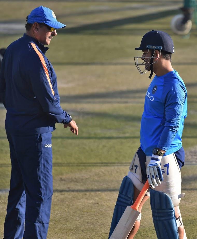 ३७ वर्षांच्या धोनीने ऑस्ट्रेलियाविरुद्धच्या पहिल्या सामन्यात ९६ चेंडूत ५१ धावा केल्या. तर नंतरच्या दोन एकदिवसीय सामन्यात ५५ आणि ८७ धावा केल्या.