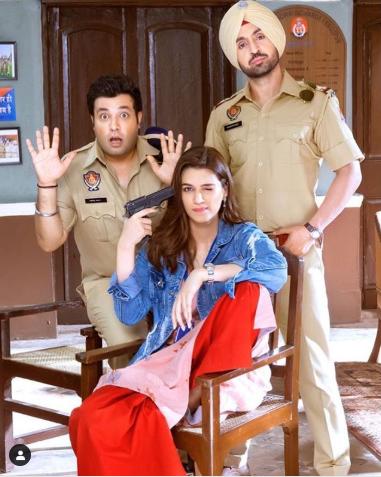 रोहित जुगराज दिग्दर्शित दिलजीत दोसांजचा रोमँटिक- कॉमेडीपट अर्जुन पटियाला येत्या ३ मे रोजी प्रदर्शित होणार आहे. हा सिनेमाही पाकिस्तानात प्रदर्शित केला जाणार नाही.