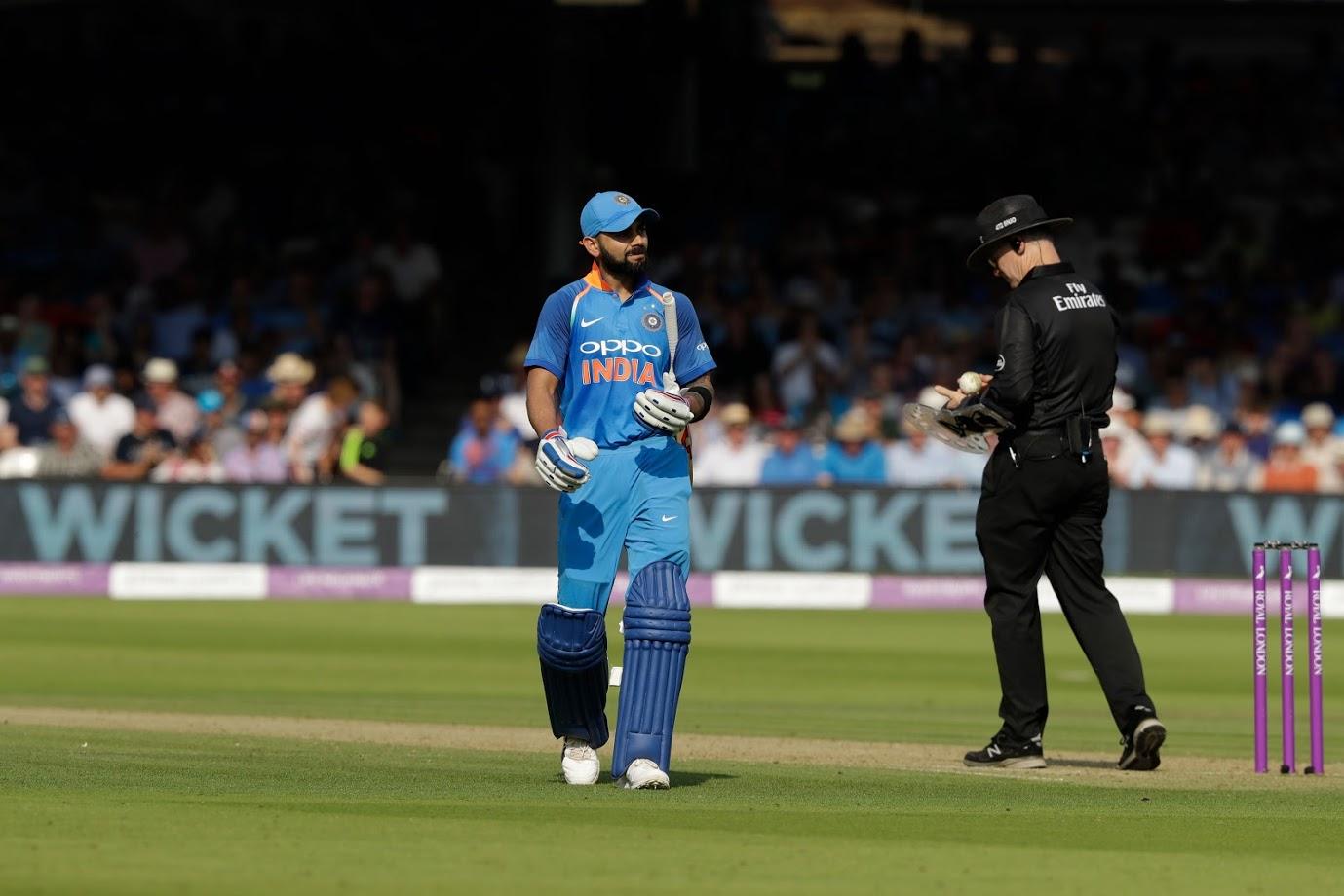 आज 24 फेब्रुवारीपासून टीम इंडिया आणि ऑस्ट्रेलियामध्ये टी20 मालिकेला सुरुवात होणार आहे. पहिला सामना विशाखापट्टनम येथे तर दुसरा सामना बंगळुरू येथे खेळण्यात येणार आहे.