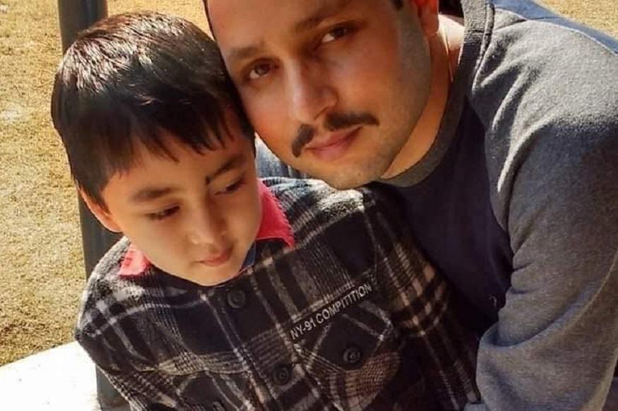 अमन ठाकूर यांची पहिल्यापासून पोलिस होण्याची इच्छा होती. अंगावर खाकी वर्दी चढवण्याचे स्वप्न उराशी बाळगून त्यांनी अभ्यास केला.