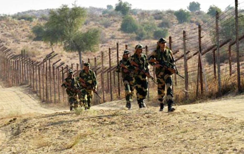 भारताने हवाई हल्ला केल्यानंतर पाकने काश्मीरमध्ये विमान घुसवण्याचा प्रयत्न केला. याला भारतीय हवाई दलाने पिटाळून लावले. गंगानगर सीमावर्ती भागात सैन्यासह जिल्हा प्रशासनाला सतर्क राहण्याचे आदेश देण्यात आले आहेत.