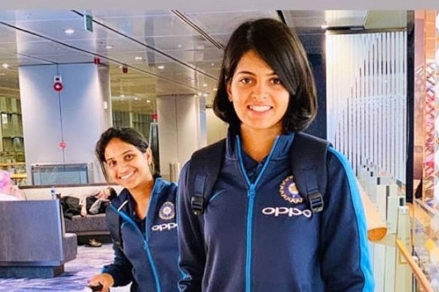प्रियाला पहिल्यांदा बॅडमिंटन खेळायला आवडत होतं. पण नंतर तिने सुराणा अॅकडमीत क्रिकेटचे धडे गिरवायला सुरुवात केली.