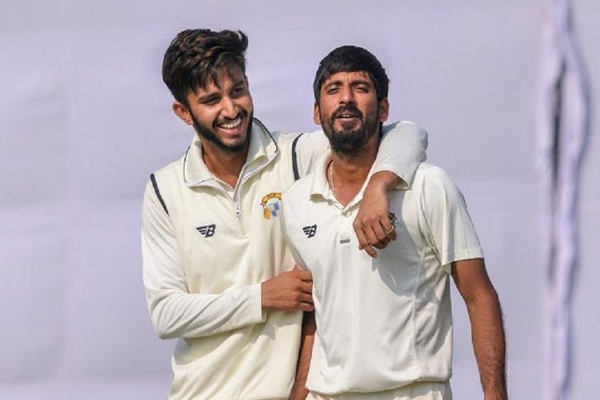 आयपीएलमध्ये मुंबई इंडियन्सच्या संघात आल्यानंतर त्याने लिस्ट-ए टी20 आणि रणजी पदार्पण केलं. त्याने एका वर्षाच्या आतच भारतीय संघात स्थान मिळवलं. रणजीत त्याने पंजाबकडून खेळताना 6 सामन्यात 29 गडी बाद केले होते.