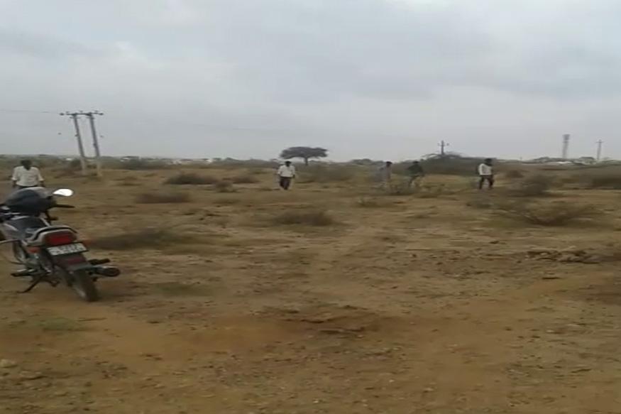 सीमेवर असलेल्या सीमा सुरक्षा दलाच्या लक्षात आल्यानंतर तातडीने कारवाई करत त्यांनी हे ड्रोन पाडलं