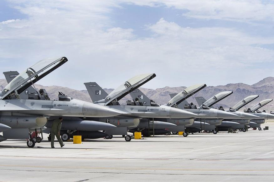 F16 फाल्कन फायटर जेट ही अमेरिकन बनावटीची लढाऊ विमानं असून तिथल्या लॉकहिड मार्टिन कंपनीने बनवलेली आहेत.