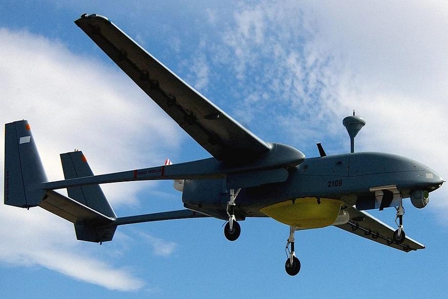 हेरोन- IAI Heron (Machatz-1) इस्रायल एअरोस्पेस इंडस्ट्रीजच्या Malat डिव्हिजननं विकसित केलेल्या मध्यम उंचीचा, मानवविरहित असा ड्रोन आहे. हे 10.5 किमी. उंचीवर उडू शकतं. हवेत 52 तास उडतं. ग्राऊंडवरचं कनेक्शन तुटलं तर हे ड्रोन आपोआप आपल्या जागी परत येतं.