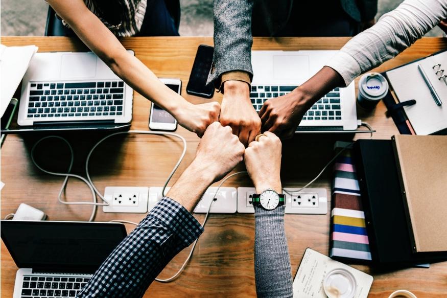 ऑफिसमध्ये नाईट शिफ्ट सध्या कॉमन आहे. पण, नाईट शिफ्टमध्ये काम करणाऱ्यांना जीवघेण्या आजारांचा सामना करावा लागू शकतो.