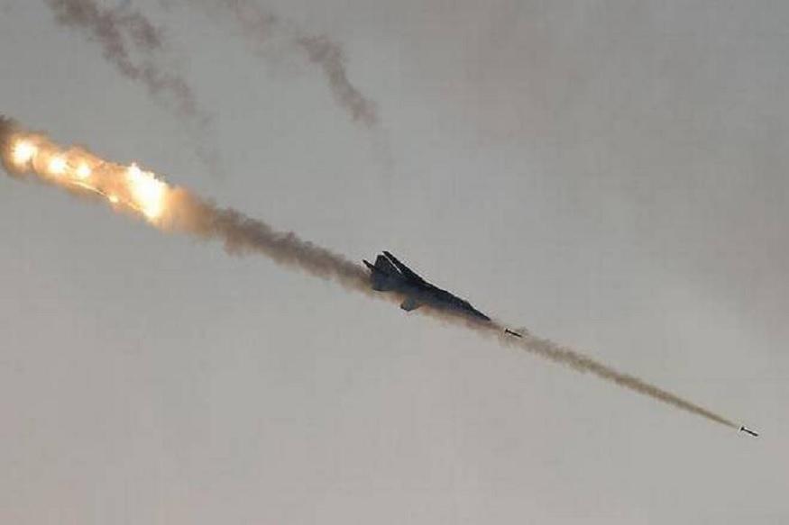 पाकव्याप्त काश्मीरमध्ये घुसून भारतीय हवाई दलानं केलेल्या कारवाईमध्ये 200 ते 300 दहशतवादी ठार झाल्याची माहिती सूत्रांनी दिली आहे.