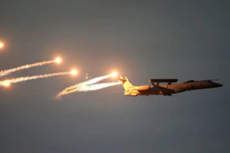 भारतीय वायुसेनाने मिराज २००० या १२ लढाऊ विमानांनी मंगळवारी पाकव्याप्त काश्मीरमध्ये बालाकोट येथील जैश-ए-मोहम्मदचे दहशतवादी तळ उध्वस्त केले. यात ३०० हून अधिक दहशतवादी ठार झाले.
