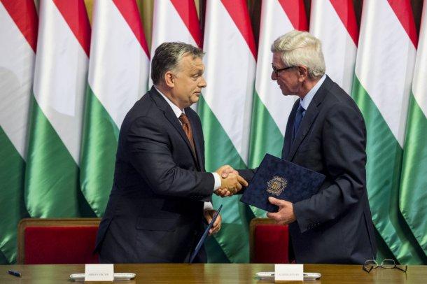ओर्बन यांच्या म्हणण्यानुसार, हंगेरीने युरोपच्या मूळ लोकसंख्येच्या कमतरतेला उत्तर दिले आहे. त्यांचा शरणार्थी लोकांशी काहीही संबंध नाही. त्याने आपल्या भाषणात म्हटले होते की, युनियनच्या नेत्यांना युरोपला इतर महाद्वीपांमधून आलेल्या लोकांनी भरून टाकायचे आहे.