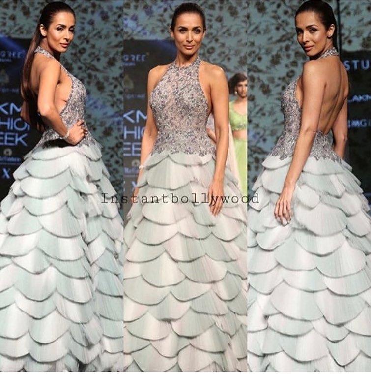 लॅक्मे फॅशन वीकसाठी मलायकाने मनोज अग्रवालने डिझाइन केलेला ड्रेस घातला होता. हा फोटो युझर्सना फारसा आवडला नाही.