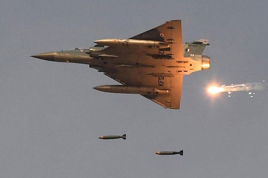 मिग - 21 विमानांनी केलेल्या माऱ्यामध्ये पाकिस्तानचं एफ-16 पडलं. पण, याचवेळी मिग -21नं हवेतच पेट घेतला. त्यावेळी विंग कमांडर अभिनंदन यांना पाकिस्ताननं ताब्यात घेतलं. त्यांची चौकशी केली.