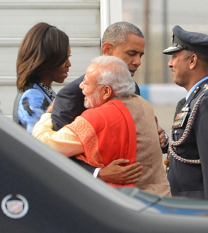 पंतप्रधान नरेंद्र मोदी आणि अमेरिकेचे तत्कालीन अध्यक्ष बराक ओबामा यांच्यात खास केमेस्ट्री होती. ओबामा भारत भेटीवर आले असताना मोदींनी त्यांचा उल्लेख माझे खास मित्र बराक असा केला होता.