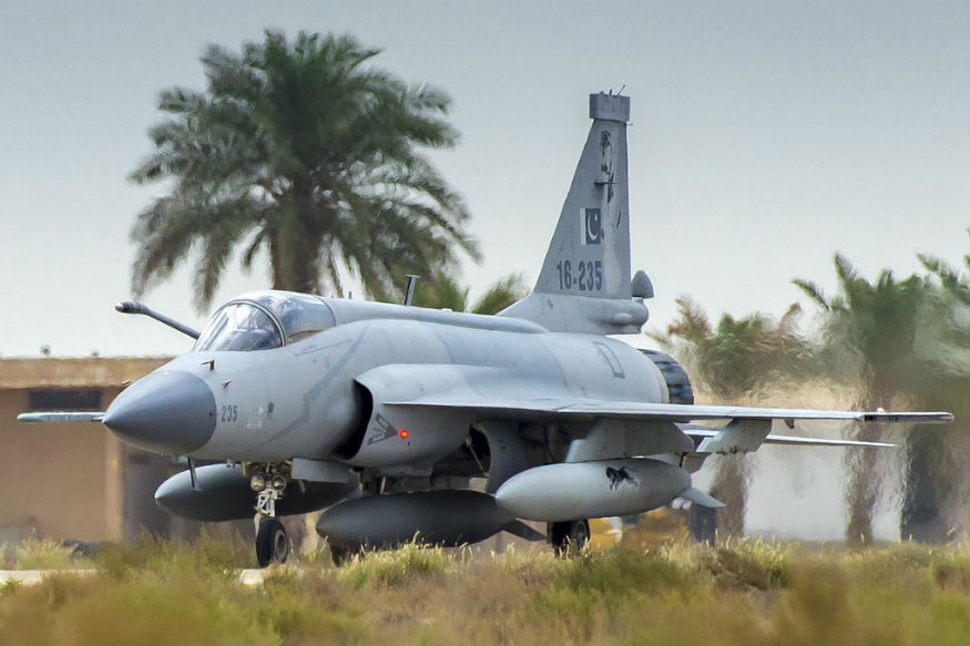 1965 मध्ये भारतासोबत झालेल्या वायुयुद्धात आयएएफने पाकिस्तानी वायुसेनावर टीका केली होती.