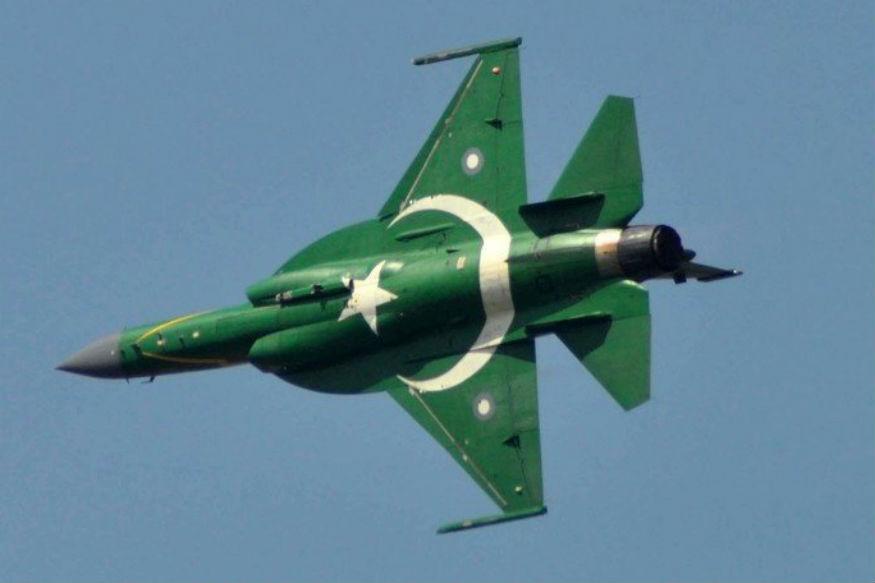 भारतीय वायुसेनेनं पाकिस्तान व्याप्त काश्मीरमध्ये घुसून जैश-ए-मोहम्मदचे ट्रेनिंग कॅम्प उद्ध्वस्त केले. त्याचबरोबर बालाकोटमध्ये असलेल्या जैशच्या तळांनाही उद्ध्वस्त केलं. पण त्याचं प्रत्युत्तर पाकिस्तान देऊ शकलं नाही.
