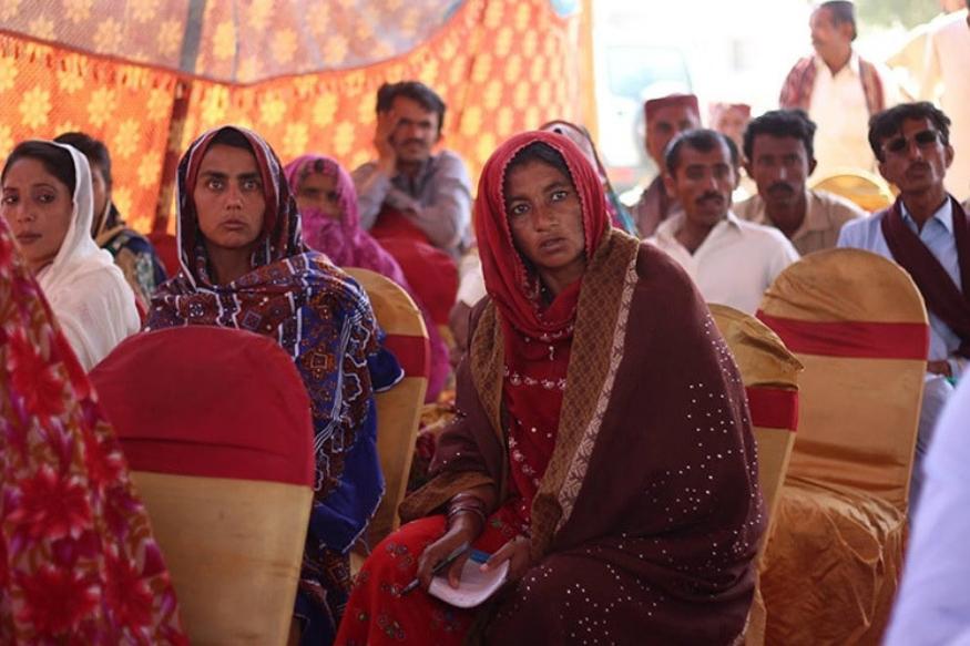 मिठीमध्ये 80 टक्के हिंदू राहतात. पाकिस्तान बनलं तेव्हापासून इथे हिंदू आणि मुस्लीम एकोप्यानं राहतायत.