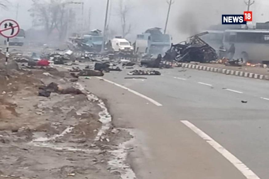 पुलवामा येथे दहशतवाद्यांच्या आत्मघातकी हल्ल्यामध्ये 40 जवान शहीद झाले. त्यानंतर भारतानं पाकिस्तानविरोधात कडक पावलं उचलायला सुरूवात केली आहे. त्याचे परिणाम आता पाकिस्तानमध्ये दिसू लागले आहेत.