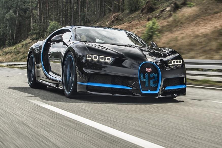 राजदूत मोहम्मद बिन सलमानकडे बुगाटीची सगळ्यात महागडी कार आहे. ज्याची किंमत 3 मिलयन डॉलर म्हणजेच 21 कोटी आहे.