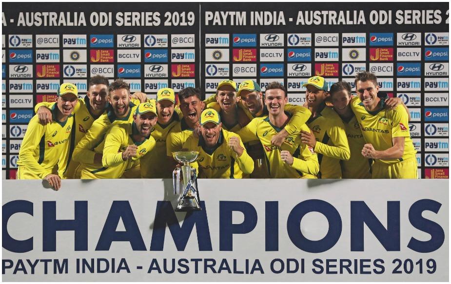 ऑस्ट्रेलियाने दिल्लीत झालेल्या शेवटच्या एकदिवसीय सामन्यात भारतावर 35 धावांनी विजय मिळवून पाच एकदिवसीय सामन्यांची मालिका 3-2 ने जिंकली. पहिले दोन्ही सामने गमावल्यानंतर मालिका विजय मिळवणारा ऑस्ट्रेलिया पहिलाच संघ ठरला आहे. गेल्या दोन वर्षातील त्यांचा हा पहिलाच मालिका विजय आहे.