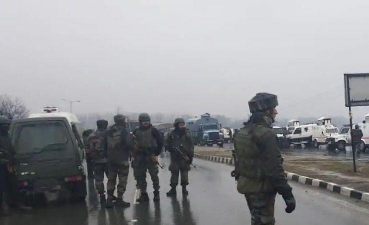 3 मार्चला सकाळी काश्मीर मधील हंदवाडा येथे सुरक्षा दल आणि पोलिस यांच्यात झालेल्या चकमकीत दोन सीआरपीएफचे जवान आणि दोन काश्मीर पोलिस शहीद झाले.