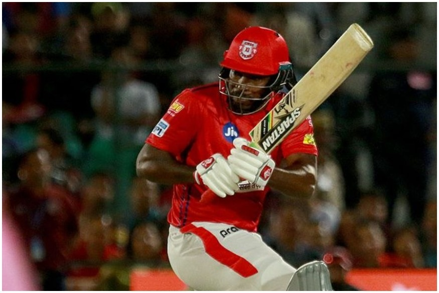 आयपीएलमध्ये वेगवान 4000 रन्स करणारा खेळाडू म्हणून आता गेल ओळखला जाणार आहे.
