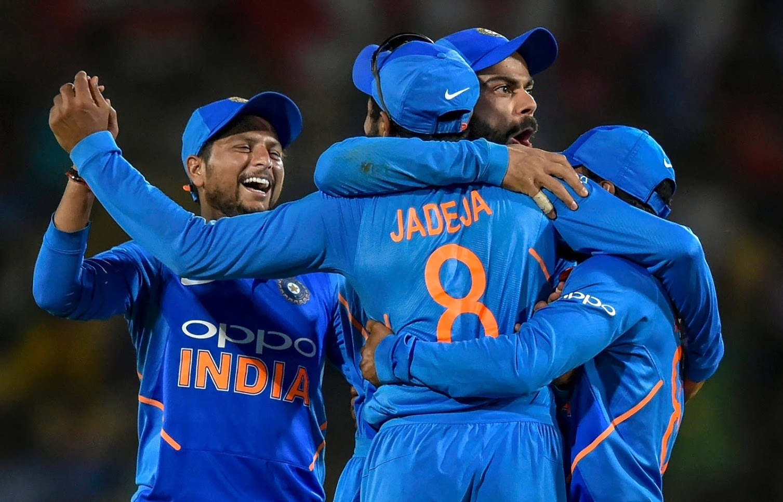 सामन्याचे शेवटचे आणि निर्णायक षटक विजय शंकरला देण्यात आले. त्याने याआधी फक्त एकच षटक टाकले होते. अशा परिस्थितीत विजय शंकरने कर्णधाराचा विश्वास सार्थ ठरवत या षटकात दोन गडी बाद करत भारताच्या विजयावर शिक्कामोर्तब केले.