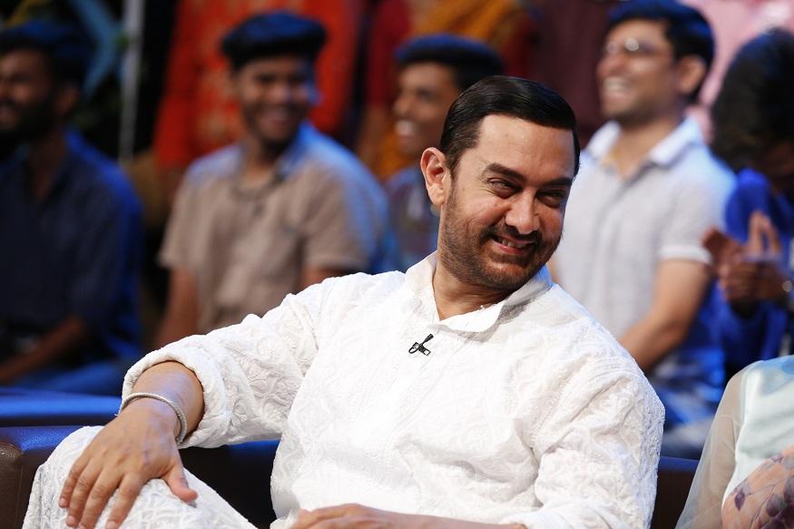 आमिर खानचीही हसून हसून मुरकुंडी वळली. त्यानं कलाकारांना मनापासून दाद दिली.