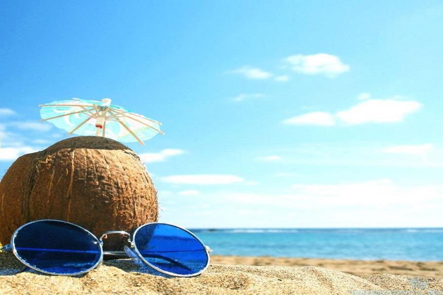 सध्या सगळीकडे एकदम कडक उन्हाळा सुरू झालाय. उन्हाळ्यात आपल्याला घराबाहेर तर पडावं लागतंच. अशा वेळी तुम्ही तुमच्या त्वचेची काळजी कशी घ्याल यासाठी काही टिप्स
