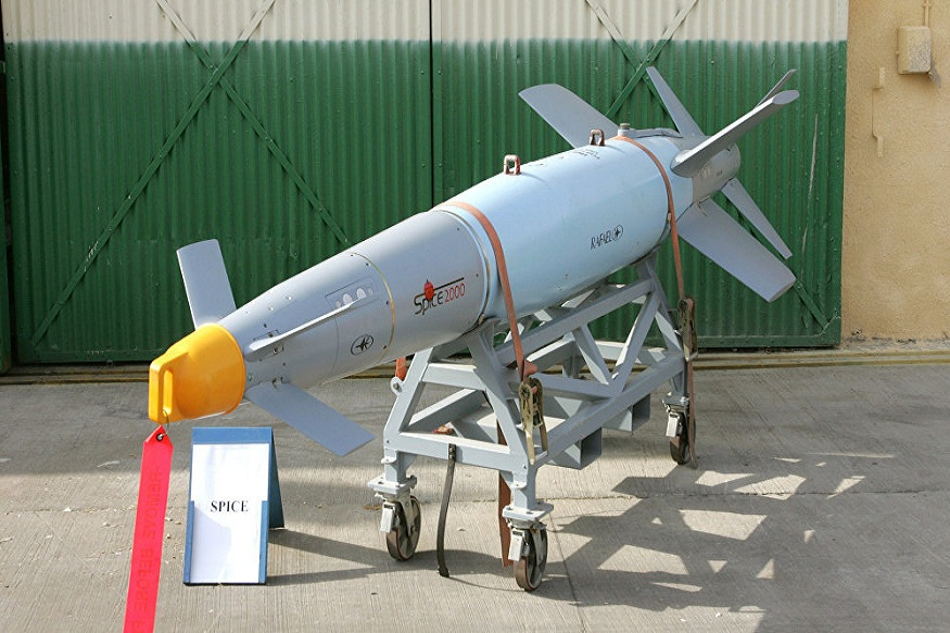 26 फेब्रुवारीला भारताच्या मिराज 200 या विमानांनी जैश ए मोहंमद च्या तळांवर हवाई हल्ले केले. त्यानंतर चर्चा सुरू झाली ती SPICE-2000 या बॉम्बची. लक्ष्याला अचूक भेदण्याची क्षमता असलेल्या या बॉम्बमुळे पाकिस्तानबरोबरच चीनलाही दहशत आहे. भारतीय वायुदलाचाही या बॉम्बवर मोठा विश्वास आहे.