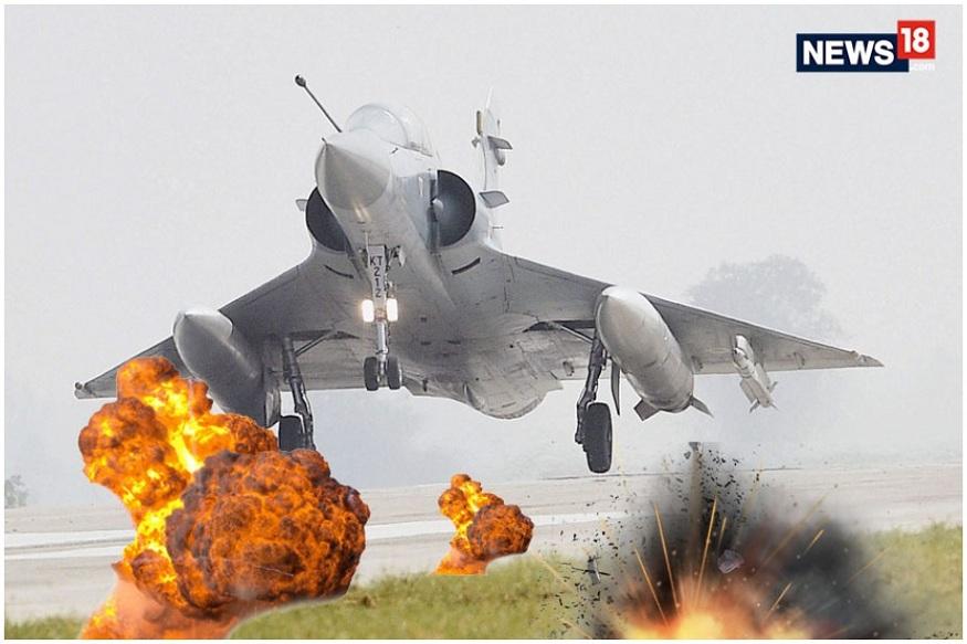 भारतीय वायु दलानं केलेल्या हल्ल्याची माहिती सर्वप्रथम पाकिस्तानच्या सैन्य अधिकाऱ्यांनी ट्विटरवर दिली. शिवाय, पाकिस्तानी मीडियानं देखील हल्ल्यानंतरचे काही फोटो दाखवले होते.