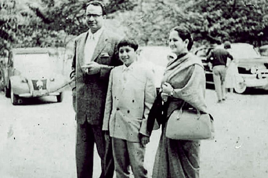 बीजू पटनायक यांनी ज्ञानवती यांच्याशी प्रेमविवाह केला होता. लाहोरला टेनिस कोर्टावर त्यांची भेट झाली होती. त्यांना तीन मुलं आहेत. नवीन पटनायक हे ओरिसाचे मुख्यमंत्री आहेत. तर मुलगी गीता या जगप्रसिद्ध लेखिका आहेत.