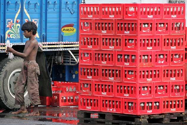 सध्या वेगवेगळ्या ड्रिंक्स तयार करण्यासाठी अनेक छोट्या कंपन्या मार्केटमध्ये आहे. यात विशेषत: मुंबईची Xotik Frujus आणि राजस्थानची Jayanti Group यांचं मार्केट सगळ्यात मोठं आहे.