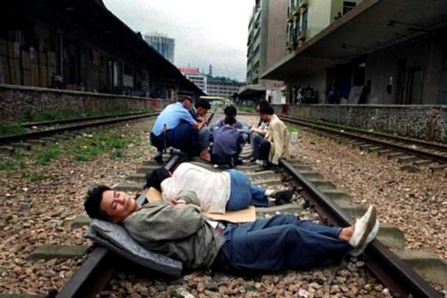 फ्रान्स आणि स्पेनमध्ये लंच टाइम जास्त वेळ असतं. पण अनेक देशात या वेळेत झोपायची वेळही धरलेली असते.