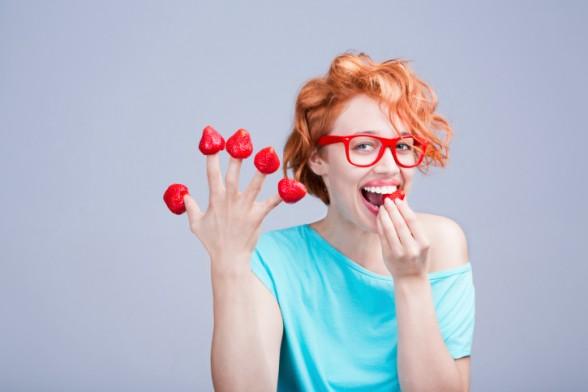 रोज खळखळून हसा. हसल्यानं आपल्या पोटातील स्नायूंचा व्यायाम होतो. त्यामुळे रोज खूश राहा आणि पोटभर हसा ज्यामुळे तुमचा दिवस प्रसन्न राहिल आणि पोटाचा व्यायाम होईल.