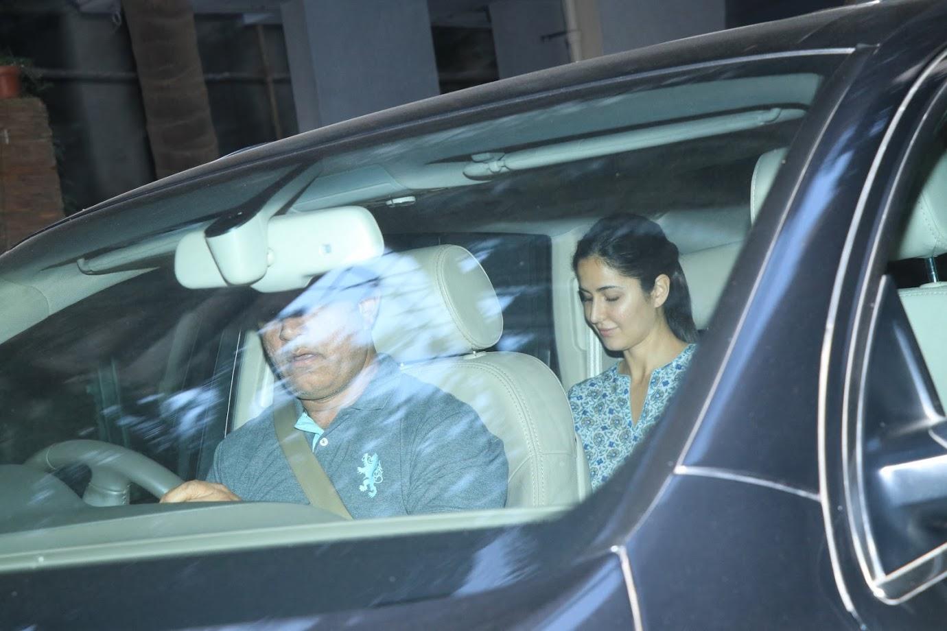 बॉलिवूड अभिनेत्री कतरिना कैफने आपल्या गाड्यांच्या कलेक्शनमध्ये अजून एक महागडी कार आणि ब्रँडचा समावेश केला आहे.