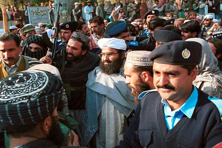 काश्मीर खोऱ्यात अशांतता राहावी यासाठी हा मौलाना सतत कारवाया करत होता. 1994 ला काश्मीरमध्ये सक्रिय असलेल्या हरकत-उल-मुजाहिद्दीन चा सदस्य असल्याच्या कारणावरुन अजहर मसूदला अटक केली होती. त्याला सोडवण्यासाठी विमान अपहरण करण्यात आलं.