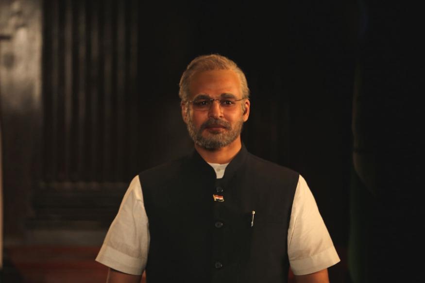 पंतप्रधान नरेंद्र मोदी फक्त भारतातच नाही तर संपूर्ण जगभरात प्रसिद्ध आहेत. त्यामुळे त्याच्या लोकप्रियतेचा फायदा या सिनेमाला होईल असं म्हटलं जात आहे. तसेच मोदींच्या चाहत्यांसाठी हा सिनेमा म्हणजे एक पर्वणीच असणार आहे.