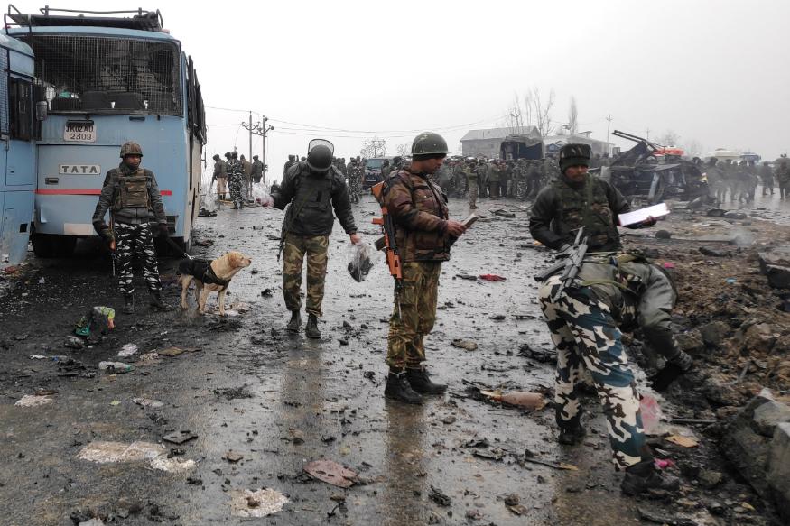 पुलावामामध्ये 14 फेब्रुवारीला CRPF च्या ताफ्यावर मोठा हल्ला केला गेला. त्याची जबाबदारी जैश ए मोहम्मदने स्वीकारली होती.