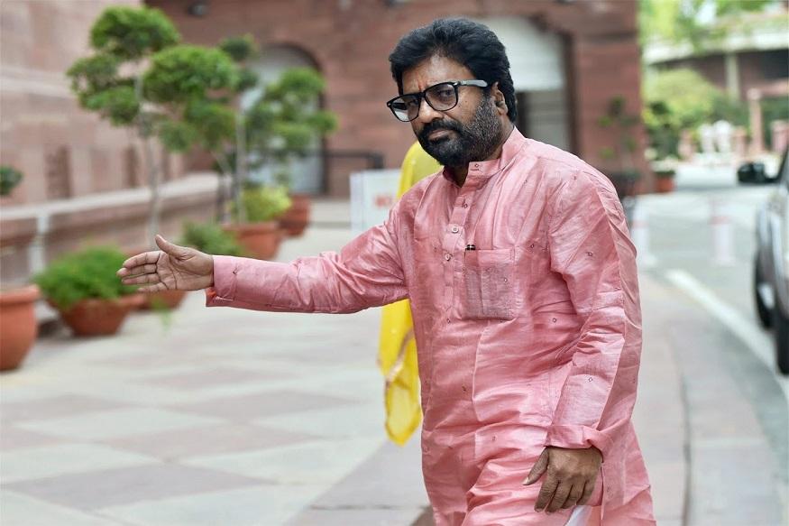 शिवसेना खासदाराचं बंड होणार थंड, रवींद्र गायकवाड मातोश्रीवर