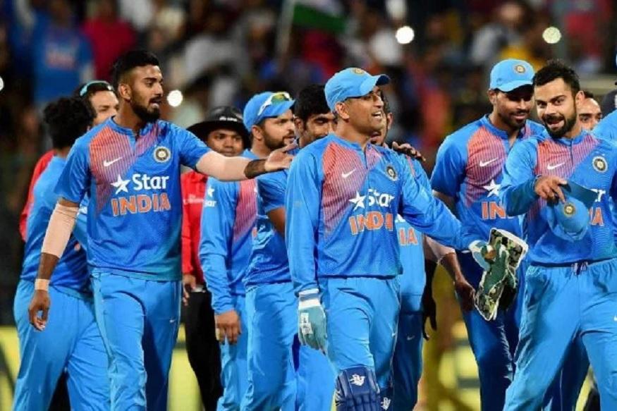 इंग्लंडमध्ये होणाऱ्या आयसीसी क्रिकेट वर्ल्डकपसाठी भारतीय संघाची घोषणा 15 एप्रिलला होणार आहे. या घोषणेआधीच भारताचा माजी दिग्गज फलंदाज वीरेंद्र सेहवागने 15 जणांचा संघ निवडला आहे