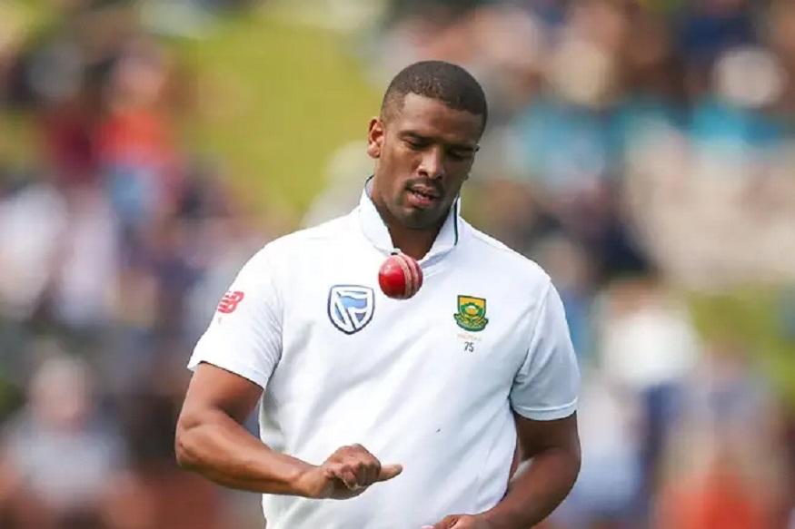 दक्षिण आफ्रिकेचा ऑलराउंडर वर्नन फिलेंडर वेगवान गोलंदाजी करतो. त्याने आंतराष्ट्रीय क्रिकेट करिअरमध्ये 58 कसोटी, 30 एकदिवसीय आणि 7 टी20 सामने खेळले आहेत. यात त्याने 259 विकेट घेतल्या आहेत. त्यालाही आयपीएलमध्ये खेळण्याची संधी मिळालेली नाही.