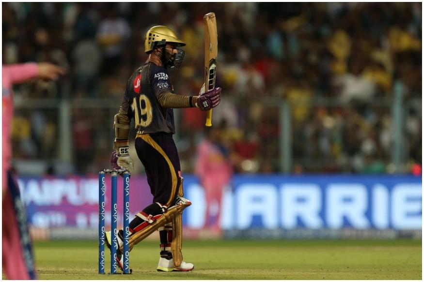 दिनेश कार्तिकने त्याच्या खेळीत 9 षटकार आणि 7 चौकार लगावले.