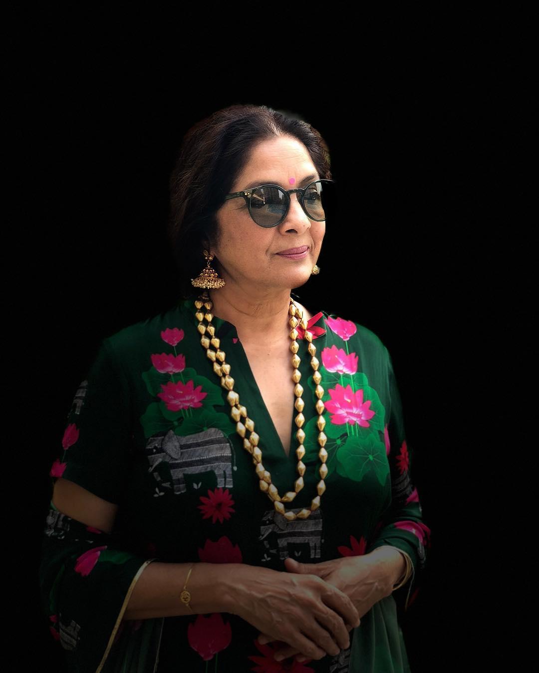 नीना गुप्ता 2018 मध्ये रिलीज झालेल्या 'बधाई हो' सिनेमात दिसल्या होत्या. त्यांनी या सिनेमात अंशुमान खुरानाच्या आईची भूमिका साकारली होती. त्यांच्या या भूमिकेच खूप कौतुकही झालं होतं.