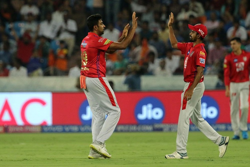 हैदराबादविरुद्धच्या सामन्यात अश्विनने चांगली कामगिरी केली. त्याने 30 धावात 2 विकेट घेतल्या. पंजाबचा मुजीब रहमान महागडा गोलंदाज ठरला त्याने 4 षटकांत 66 धावा दिल्या. त्याला एकही विकेट घेता आली नाही.