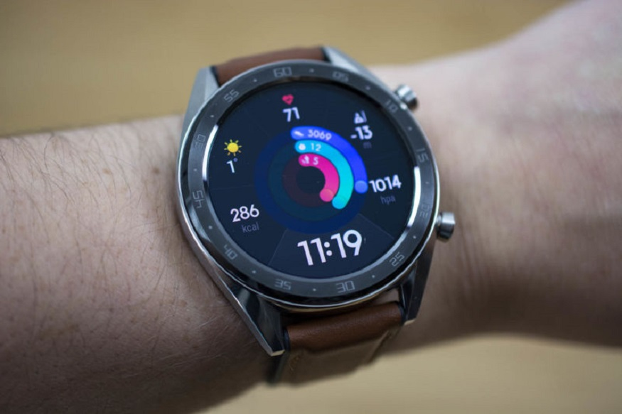 अॅमेझॉनवरून Huawei P30 Pro स्मार्टफोन तुम्ही खरेदी करणार असाल, तर त्यासोबत तुम्हाला 15,990 रुपयांचं HUAWEI Watch GT फक्त 2,000 रुपयांत मिळेल.